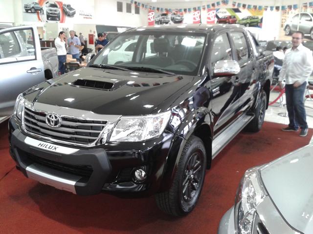 Confira todas as novidades da Toyota para Hilux e SW4 2015 ...